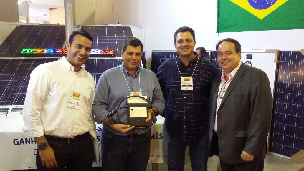 A Viva Bem sorteou um micro inversor de hoymiles de 250w durante a Enersolar 2016